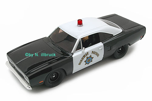 25787 Carrera Evolution Plymouth Road Runner Highway Patrol - Limited Edition